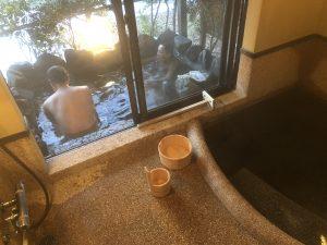 シゲさんタケさん入浴中